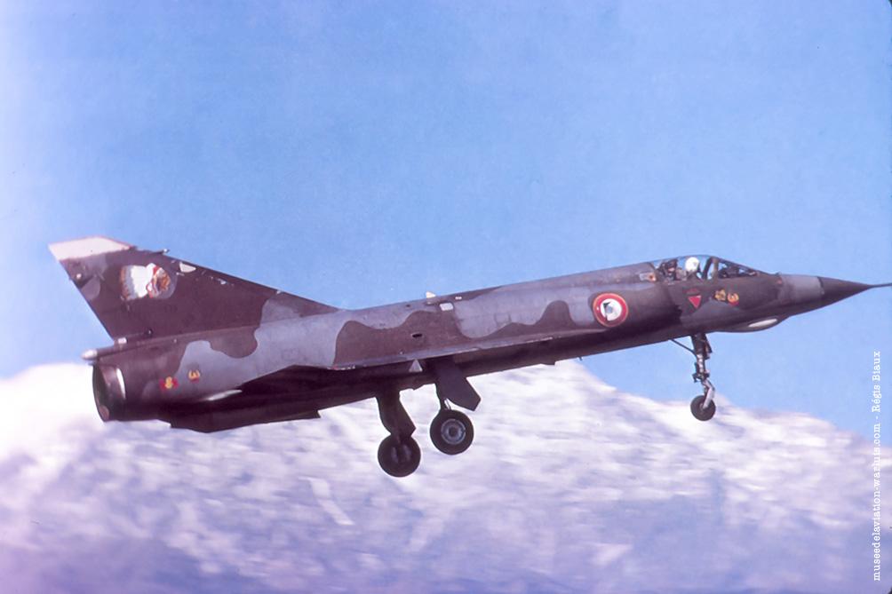 AMD Mirage IIIE 4-BM n°573 musée de l'Avaition de Warluis Régis Biaux